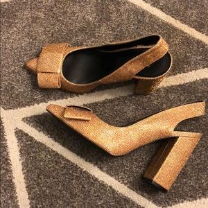 Gold Sparkle Bow Heels!